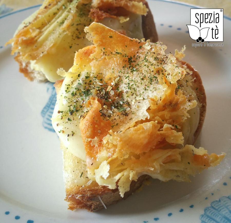 b_1474047043_f1_formaggio-grigliato-su-crostone-di-pane.jpg